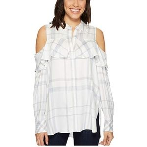 Two by Vince Camuto cold shoulder checkered top P2